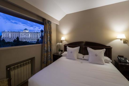 Principe Pio Hotel : Double Room view to the Royal Palace