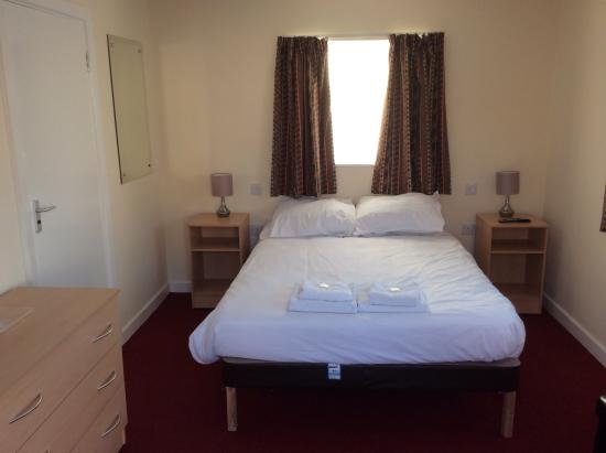 Pontins Sand Bay Holiday Park: The wait is over, here's a sneak peek of a typical new double club room