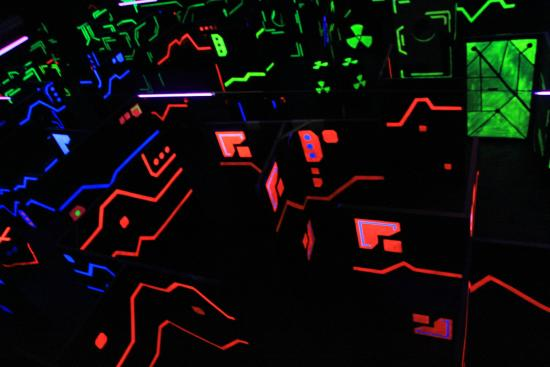batlle maze for laser game indonesia foto laser game indonesia jakarta tripadvisor. Black Bedroom Furniture Sets. Home Design Ideas
