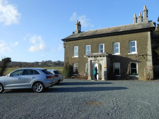 Aynsome Manor Hotel: View From The Car Park