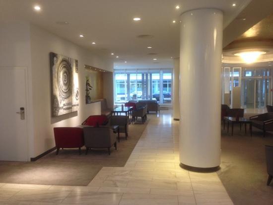Mercure Hotel Wiesbaden City: hall