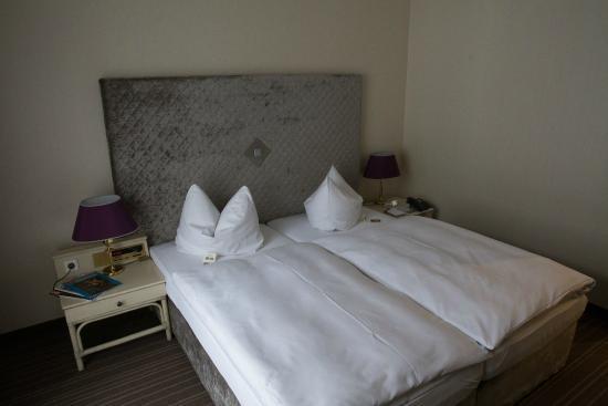 Hotel Schloss Friedestrom: Schlafen von links