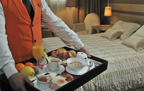 Globales Acis & Galatea Hotel: Servicio habitaciones