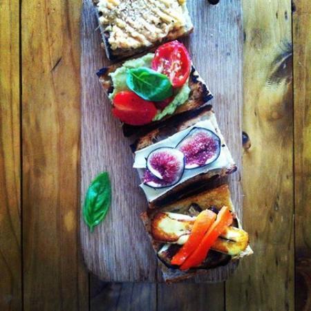 Slow Life : Bruschetta platter served at function
