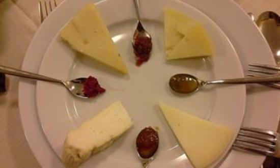 Agriturismo Il Vecchio Pollaio: Four Cheeses