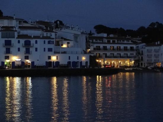 Hotel Playa Sol: hotel by night