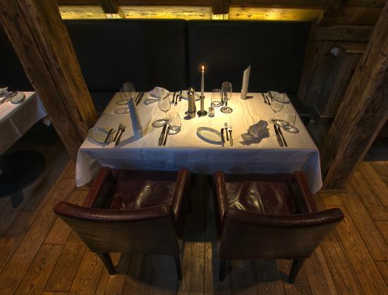 The Grill : Eingedeckter Tisch