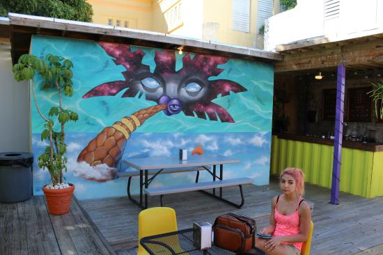 Cafe Tresbe: Some of the art, and a beautiful pink haired lady