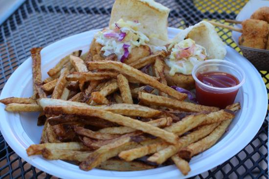 Cafe Tresbe: Salmon Sliders and french fries