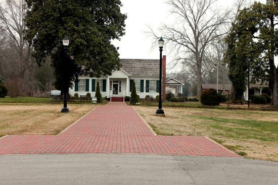 Ivy Green: main house