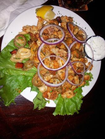 Deez Bar & Grill: Delic Calamari