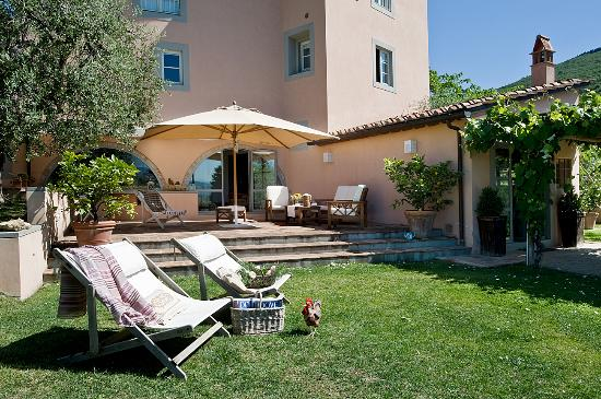 Casavaliversi B&B: Relax in the garden