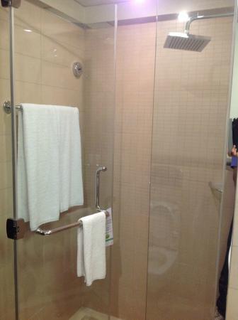 Safir Doha Hotel: Room 207