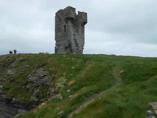 Liscannor, Irlanda: Cliffs of Moher, la torre di Hag's head