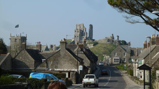 Olivers : view of the castle from the main road.