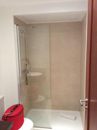 Une des deux salle de bains