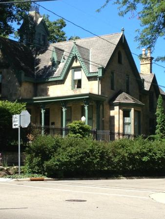 The Livingston Inn: Gothic and Gorgeous