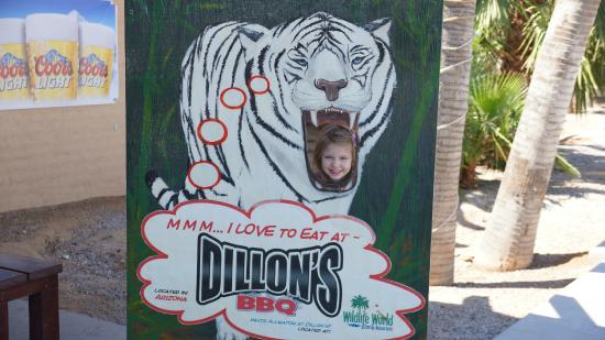 Dillon's KC BBQ: We ate here.......