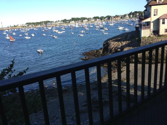 Notorious Annie's Waterfront Inn: Our private balcony