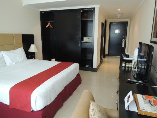 City Seasons Hotel: デラックスルーム