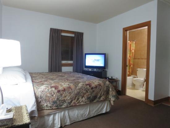 Holiday Inn Motel: Single King Room