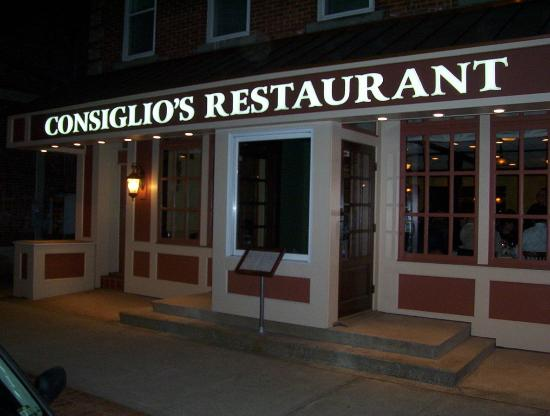 165 Wooster Street Picture Of Consiglios Restaurant New Haven