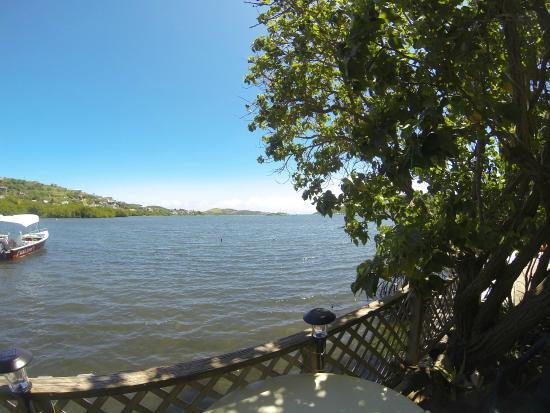 Naniqui Guest House & Rentals: Bay View
