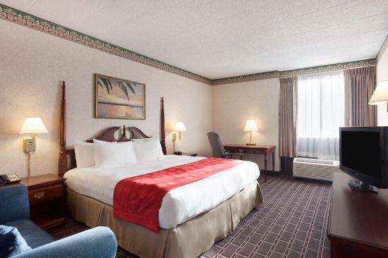 Ramada Clarks Summit Near Scranton: Our King Bed