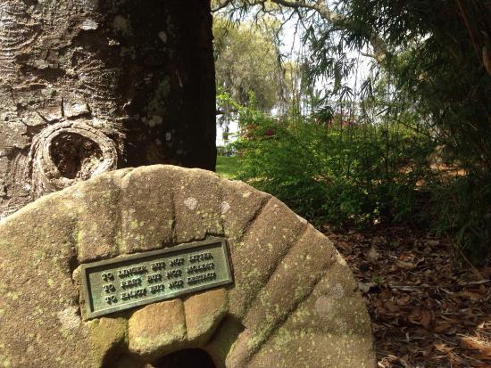 Rip Van Winkle Gardens: Wise words in any garden