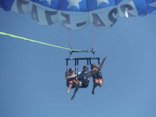 Eagle Parasail: Thrilled and on the way down :)
