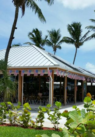Green Parrot Bar & Grill Harbour Front
