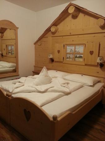 Garni Hotel Wildbach: Suite dolomiti