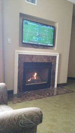 "Homewood Suites by Hilton Olmsted Village (near Pinehurst): Cozy ""fireplace"""