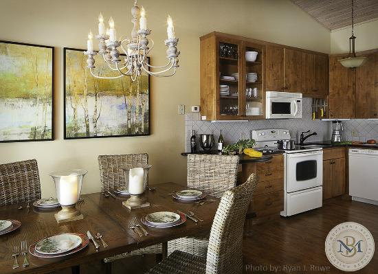 Bay Point on the Lake: Fully equipped kitchens