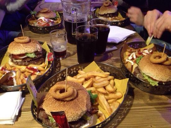Buttrio, Italie : Doppio Hamburger