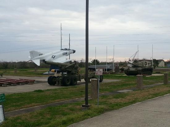 Port Arthur, Teksas: Equipment from Armed Forces