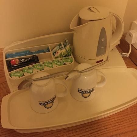 Days Inn London Hyde Park: Tea, Coffee