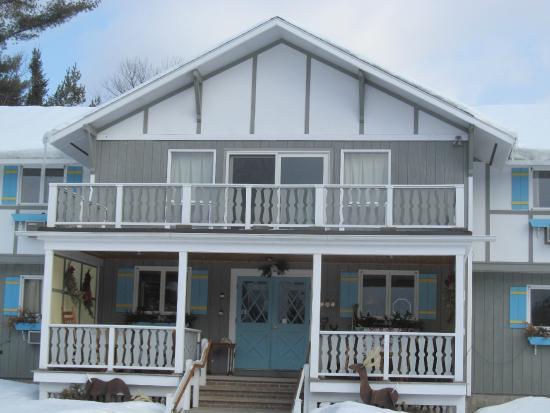 Carlson's Lodge: Main entrance