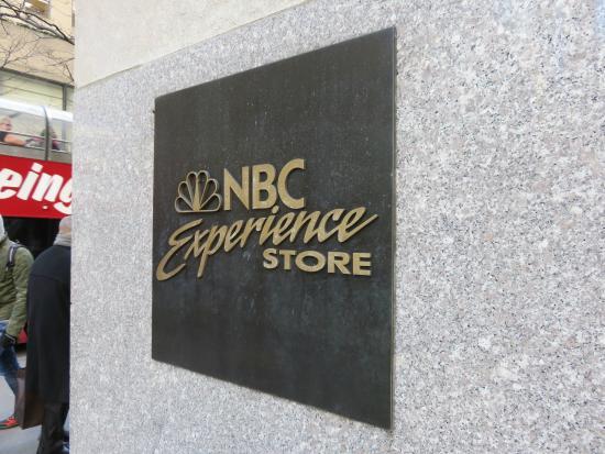 The Shop at NBC Studios : Placa