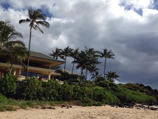 Palauea Beach: Beautiful home overlooking the beach.