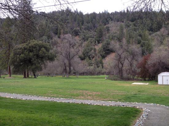 Indian Creek Lodge: Simply lovely. Simply peaceful.