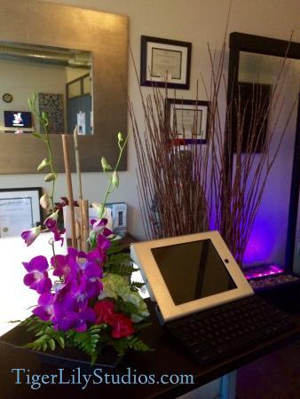 Tiger lily studios spa 2931 e 12th st in austin tx - Tiger lily hair salon ...
