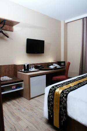 Rivavi Fashion Hotel: Room/Suite