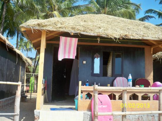 Madhu Coconut Beach Huts: Hut