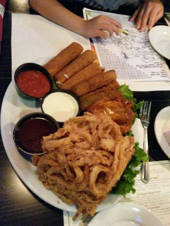 Newport Rib Company: mozzarella sticks, zucchini sticks & massive onion rings