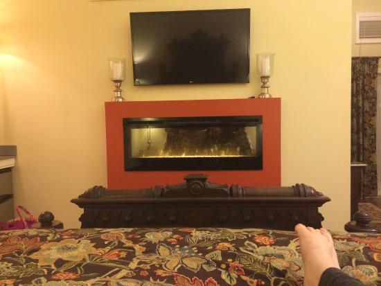 Castle in the Country Bed & Breakfast Inn: Camelot Suite...View from the king size bed...swanky fireplace!