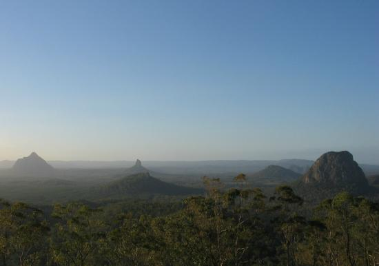 Glass House Mountains, Australien: The Glasshouse Mountains from Mt. Beerburrum