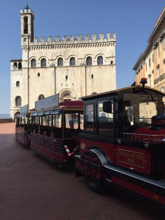Relais Ducale Hotel: Gubbio Express trenino per scoprire il nostro meraviglioso borgo medievale