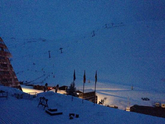 Estudios Hoserval: Foto a las 6:00 desde la ventana del estudio de Hoserval... Esquío o no esquío??