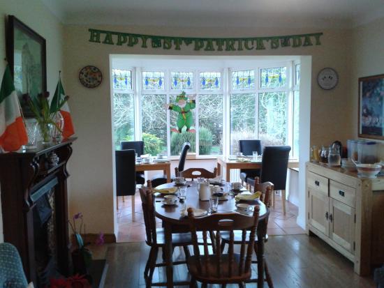 Evergreen B&B: dining room
